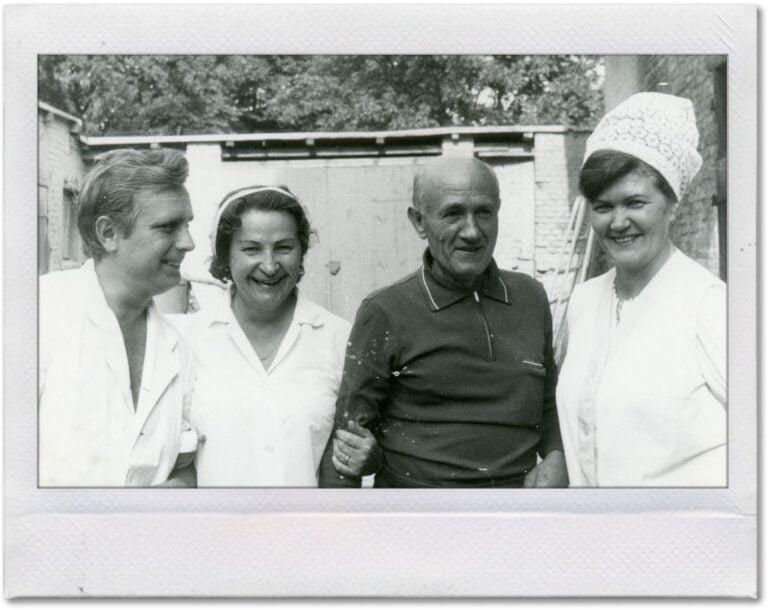 Czarno-biała fotografia pierwszych właścicieli lodziarni.